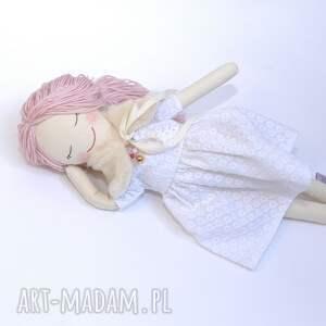 lalka lalki różowe szmaciana ze śpiącymi oczkami