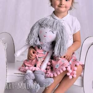 modne lalki lalka-szmacianka lalka szmacianka w szarych włosach