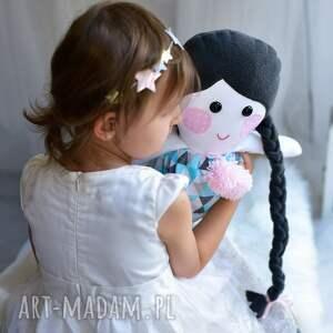 pomysł na prezent lalki lalka z warkoczem w sukience