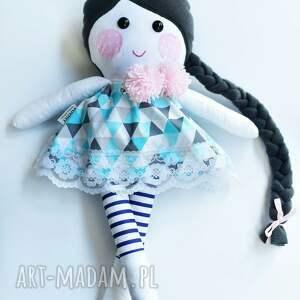 ręczne wykonanie lalka szmacianka z warkoczem w sukience