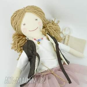brązowe lalki szmaciana lisa w pudrowym - uśmiechnięta