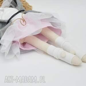 prezenty pod choinkę lalka lisa w różanym płaszczyk