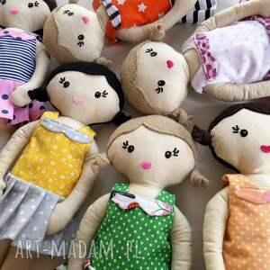 różowe lalki lala mała - brązowe włosy