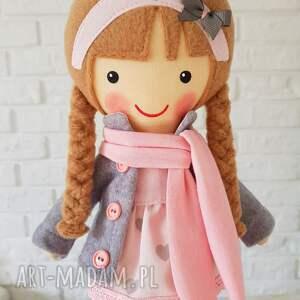 nietuzinkowe lalki lalka malowana lala laura z szalikiem