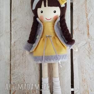 intrygujące lalki lalka malowana lala mela w lnianej