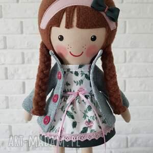 pomysł na świąteczny prezent lalka upominek malowana lala zuza