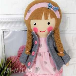 nietypowe lalki lalka malowana lala laura z szalikiem