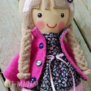 lalka lalki niebieskie jagoda jest cudną laleczką stworzoną dla dzieci