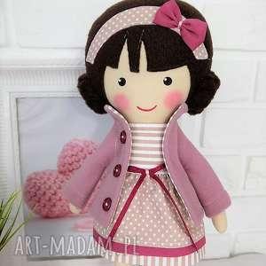 intrygujące lalki zabawka malowana lala szarlota z wełnianym