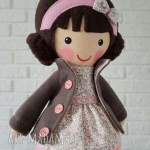 intrygujące lalki niespodzianka malowana lala milenka