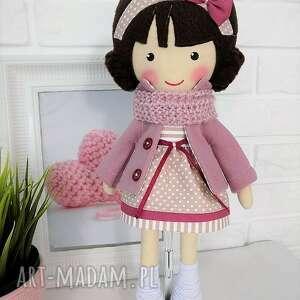 lalki zabawka malowana lala szarlota z wełnianym