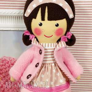 brązowe lalki zabawka malowana lala patrycja