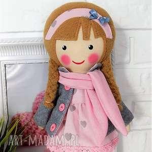 szare lalki zabawka malowana lala laura z szalikiem