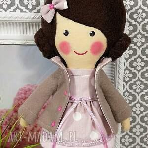 beżowe lalki zabawka malowana lala małgorzata