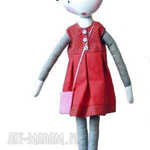 paryż lalki nina. lalka z sercem
