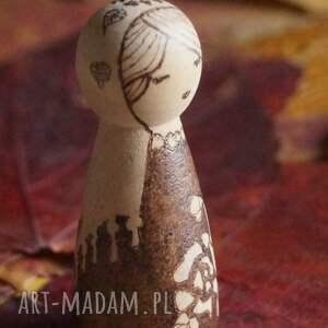 trendy lalki kokeshi różany skorpion - ręcznie wypalana