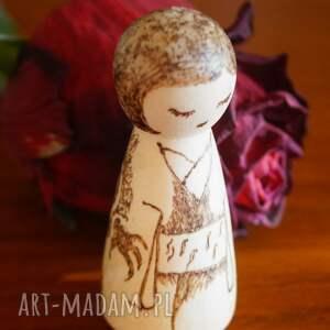 drewno lalki smocza dziewuszka - ręcznie