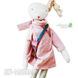 brązowe lalki szmacianka sofia pink. lalka z sercem