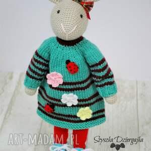 hand-made lalki króliczek szydełkowy przytulanka
