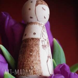 hand-made lalki kokeshi zimowy kwiat - drewniana ręcznie