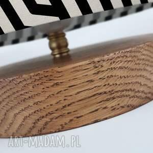 drewno lampa dekoracyjna czarna biała
