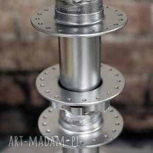 atrakcyjne stołowa lampa hub