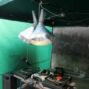loft lampy szare lampa z lejków
