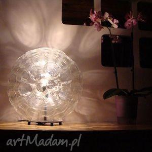 urokliwe lampy design lampa z małych kubków pet