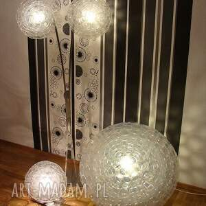 design lampy srebrne lampa z małych kubków pet
