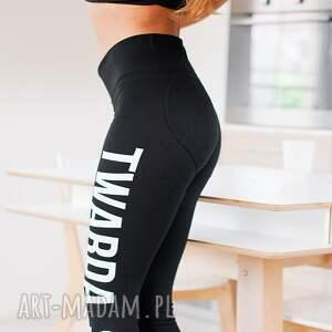 znadrukiem legginsy czarne push up spodnie