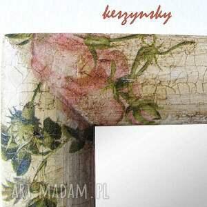 różowe lusterka lustra w kwiaty
