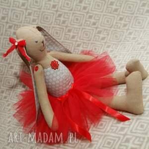 eleganckie maskotki roczek baletnica w czerwonej spódnicy