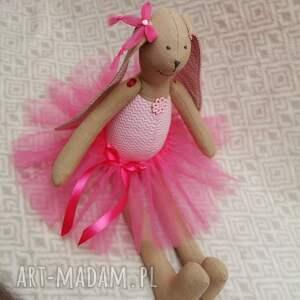 handmade maskotki roczek baletnica w nowej różowej spódnicy