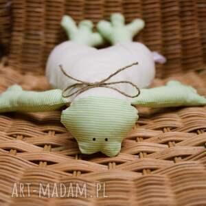 gustowne maskotki żaba edmund - idealny przytulak