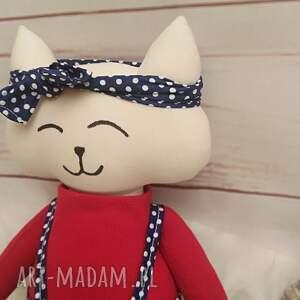 pomysł na upominek świąteczny prezent kociak tilda przytulanka