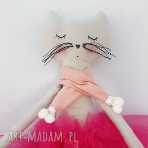 maskotki baletnica kotek w tiulach