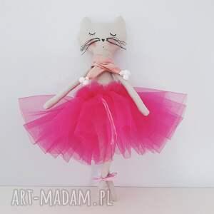 skandynawski maskotki różowe kotek baletnica w tiulach