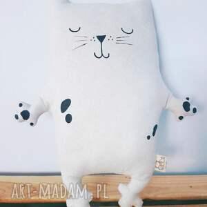 kot maskotki białe kotek przytulaczek