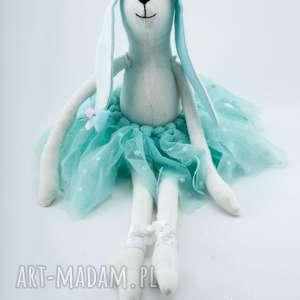 ciekawe maskotki króliczek lola