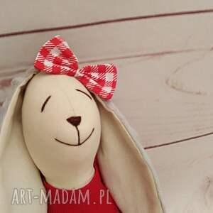 białe maskotki przytulanka króliczek tilda