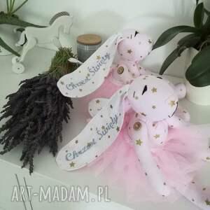 różowe maskotki chrzciny króliczki hand made