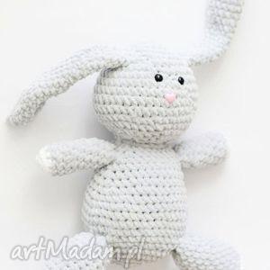 maskotki królik julian