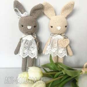 atrakcyjne maskotki chrzciny królisia monika - beżowy króliczek