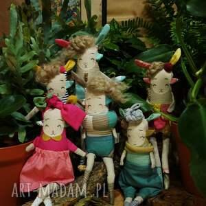 lalka waldorfska maskotki kolorowe handmade z tkaniny - hiroko