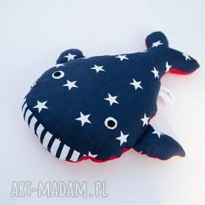 modne maskotki wieloryb pan w gwiazdki