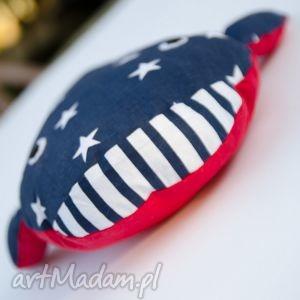 modne maskotki ryba pan wieloryb w gwiazdki