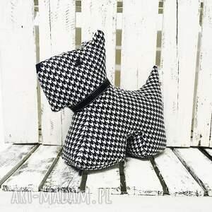 Przytulana piesek w pepitkę biało czarny od majunto - Hand Made zabawka