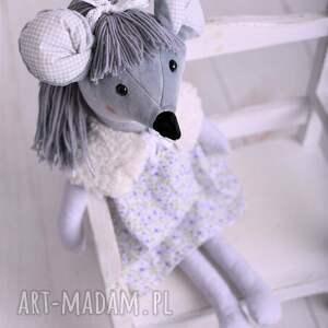 dekoracja-pokoju maskotki przytulanka dziecięca myszka