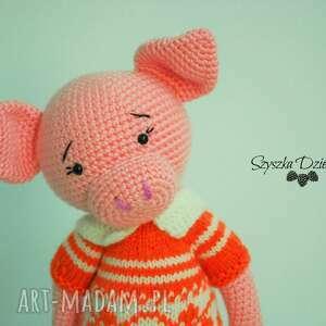 niepowtarzalne maskotki świnka szydełkowa przytulanka