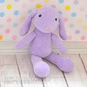 maskotki: Szydełkowy fioletowy króliczek z dedykacją - duży królik